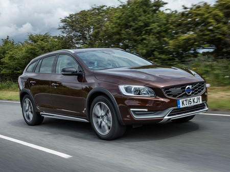 Volvo V60 D3 Cross Country Uk 2015 R21 Jpg
