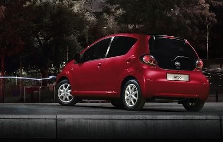 Toyota Aygo Serie Especial Rojo Frac