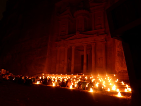 Visita nocturna al Tesoro de Petra a la luz de las velas