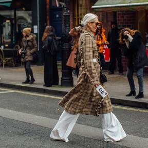 Los pantalones blancos también son para el otoño-invierno: cinco ideas para combinarlos y nuestros modelos favoritos