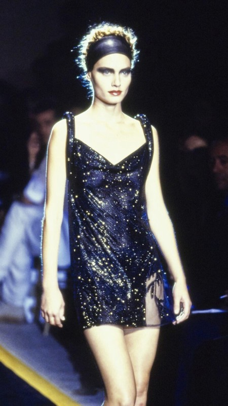 Kim Kardashian Versace Vintage 02