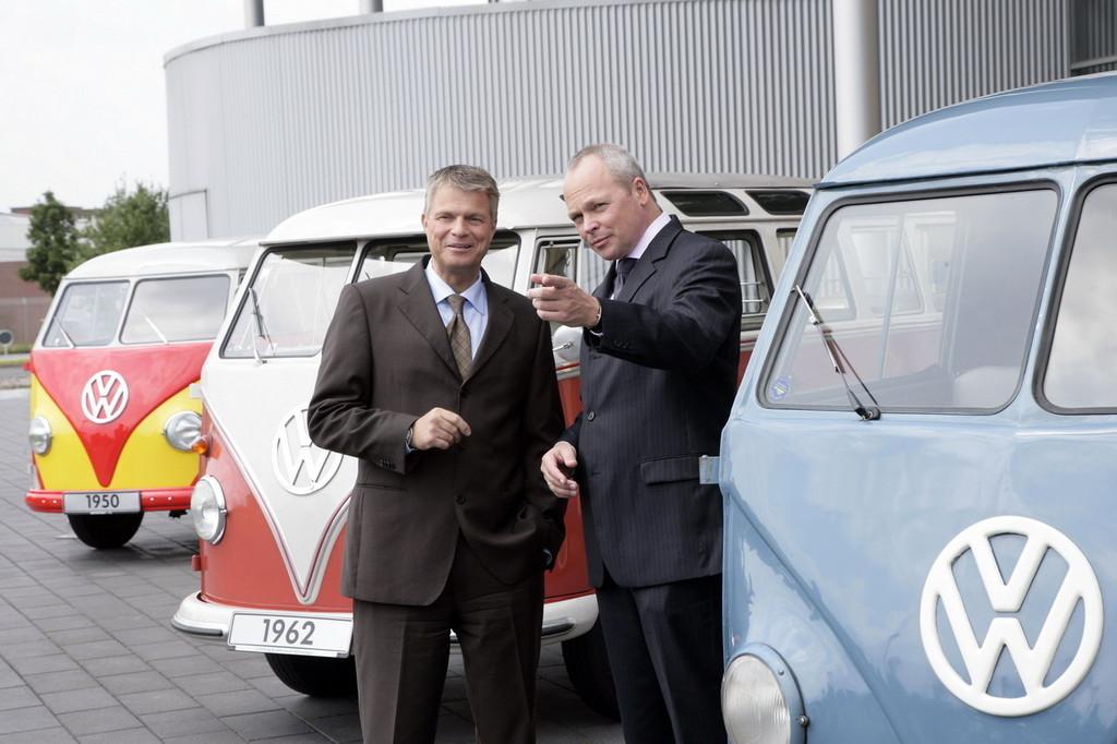 Foto de 60 años del Volkswagen Bully (33/34)