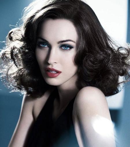 Megan Fox Giorgio Armani Designer Base Maquillaje