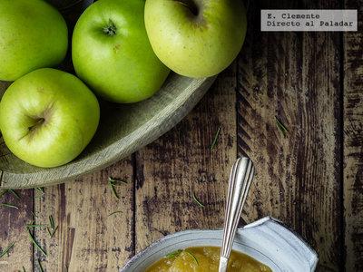 Puré de manzana con romero. Receta de guarnición para acompañar carnes