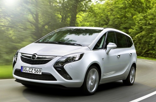 Opel-Zafira-Tourer-39