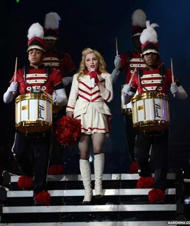 Si es cuestión de petarlo, Madonna se queda con el trono este año