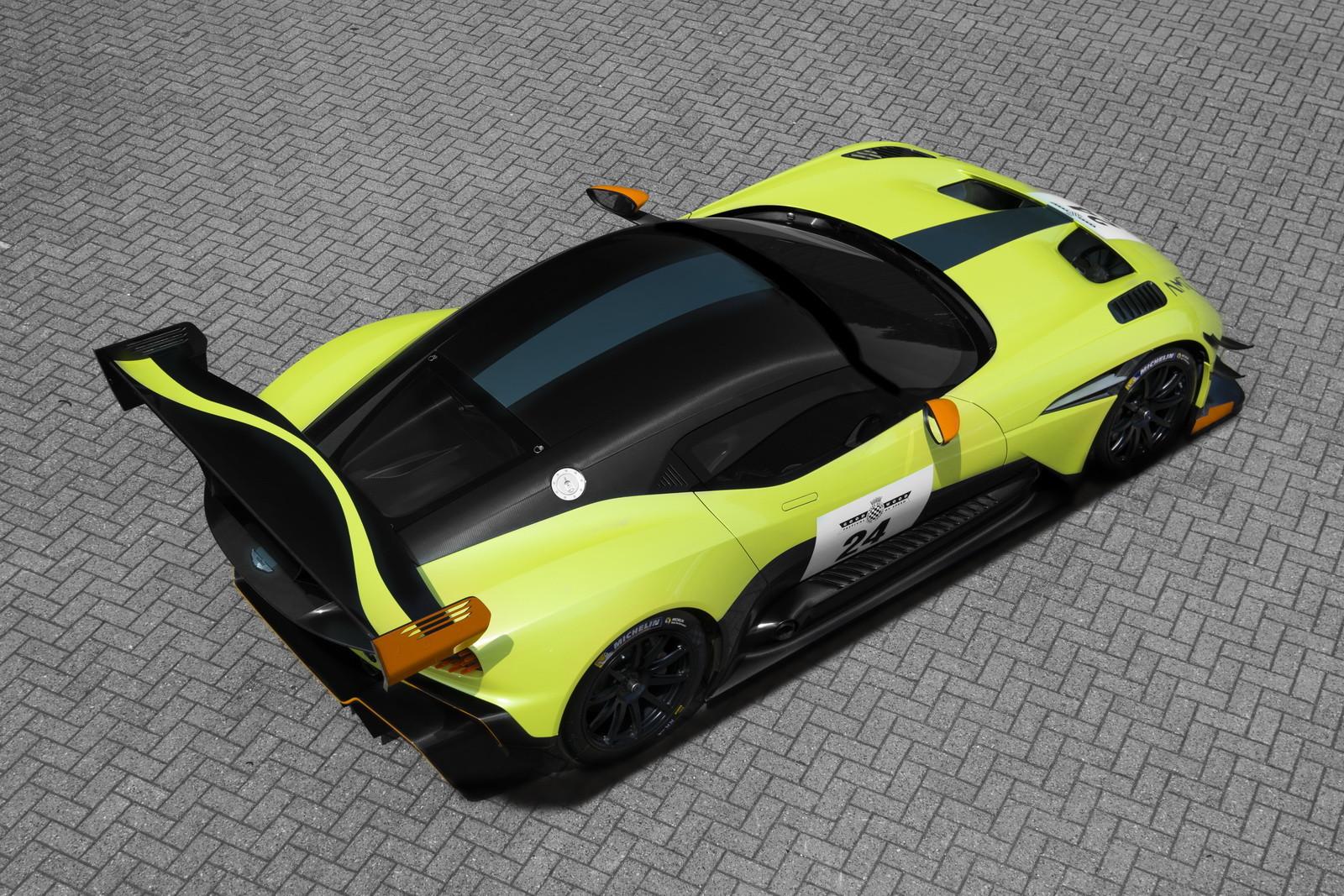 Foto de Aston Martin Vulcan AMR Pro (13/17)