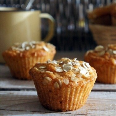 Muffins de manzana y avena, receta para desayunar con extra de fibra y energía