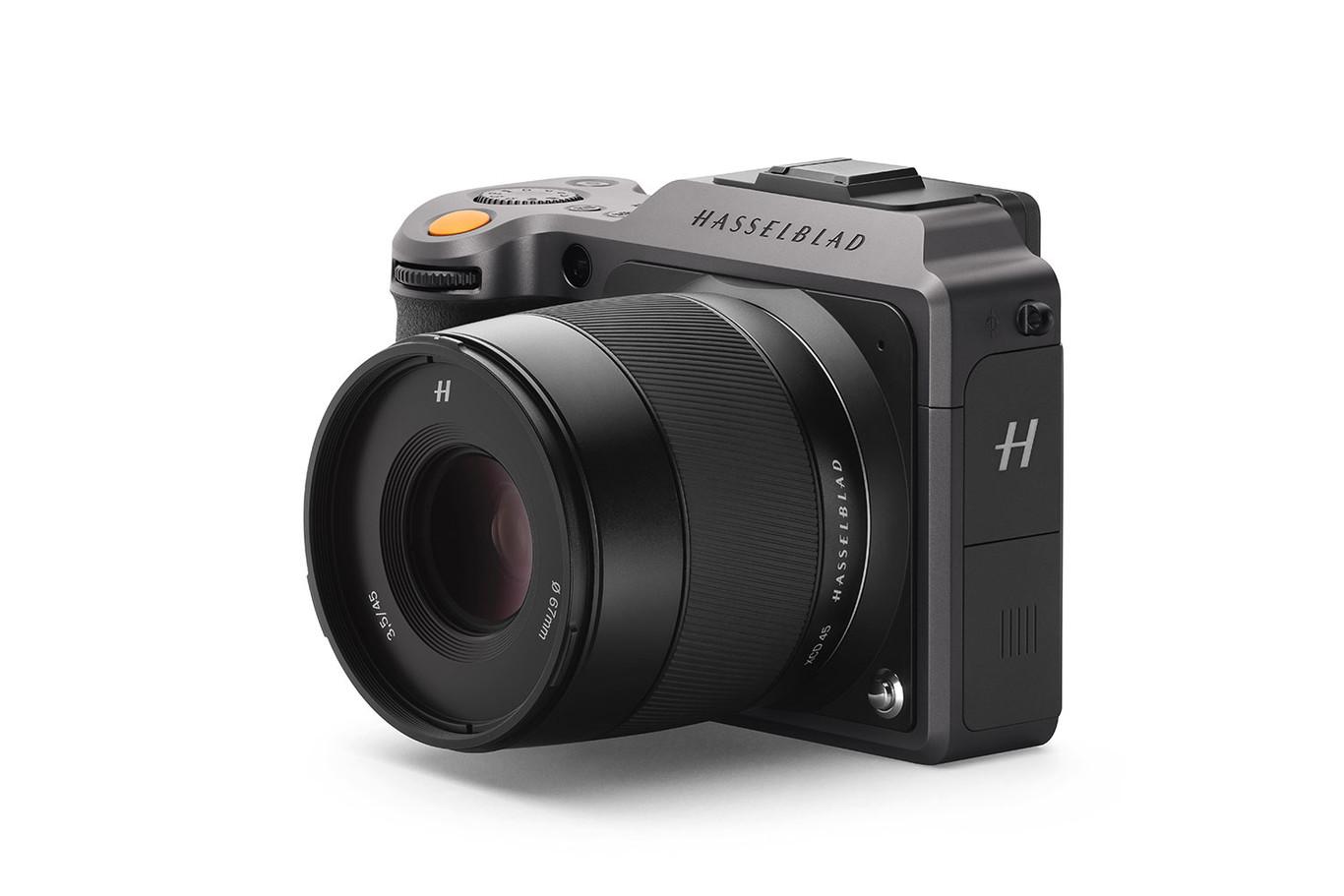 Hasselblad presenta la nueva mirrorless X1D II 50c, respaldo CVF II 50C, cuerpo 907X y objetivo XCD 3.5-4.5 / 35-75 Zoom