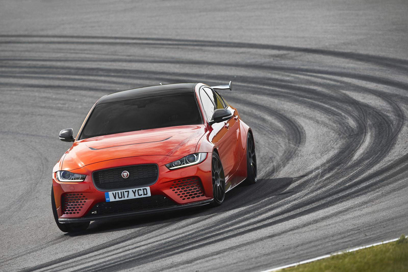 Foto de Jaguar XE SV Project 8 (8/12)