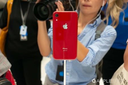 La Apple Store se actualiza para que los usuarios puedan reservar un iPhone XR con los atajos de Siri