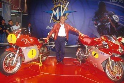 MV Agusta 500 4 y MV Agusta F4 con Giacomo Agostini