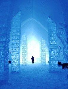 Ice Hotel: una noche bajo el hielo