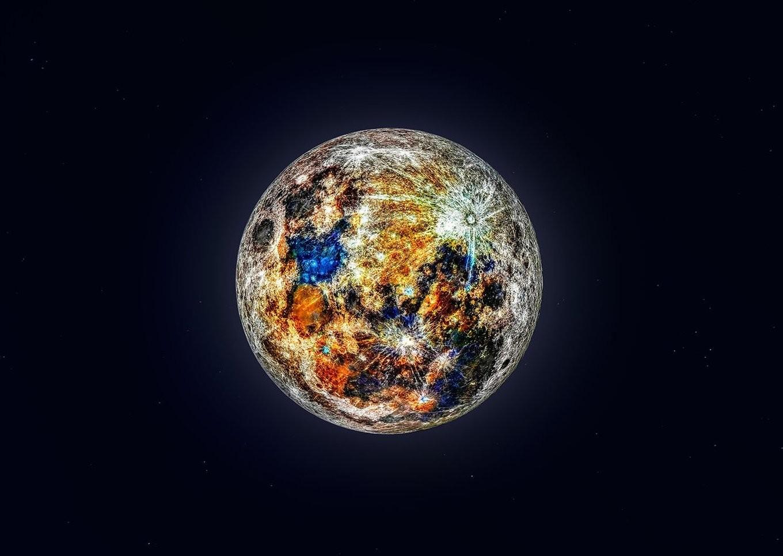 150.000 fotografías para crear esta alucinante imagen que nos muestra los colores ocultos de la Luna