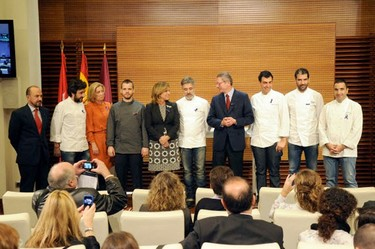 Los cocineros madrileños con dos estrellas Michelin se unen por una buena causa