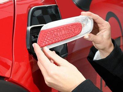 ¿Tu nombre en el tablero o en la luz de bienvenida de tu auto? Con MINI Yours Customized lo puedes hacer