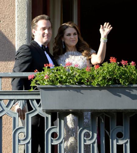 Magdalena de Suecia y Chris O'Neill salen al balcón en la cena de gala