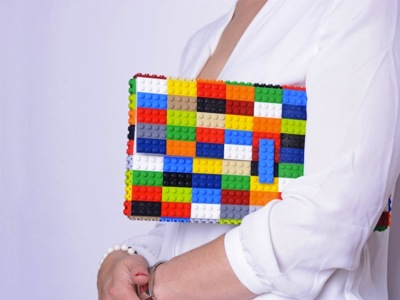 Para todos los gustos y estilos bolsos hechos con piezas de LEGO