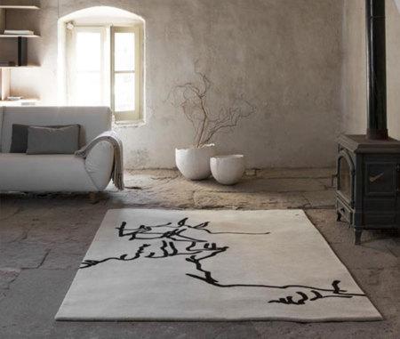Nani Marquina rinde un homenaje a Chillida en su nueva colección de alfombras