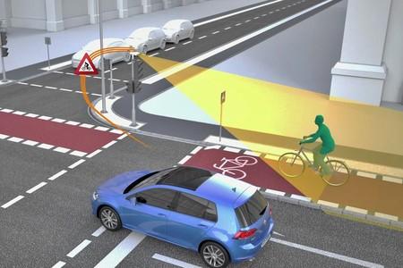 Volkswagen y Siemens están probando semáforos que hablan con coches para hacer más seguras las calles