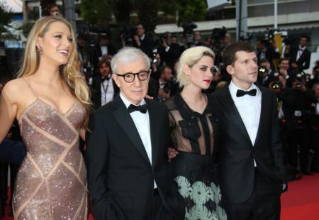 Blake Lively y Kristen Stewart eclipsan la alfombra roja inaugural del Festival de Cannes 2016