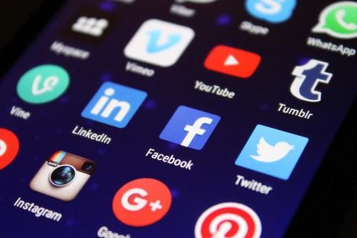La falta de moderación humana a causa del coronavirus ha convertido a los sistemas automáticos de Facebook y YouTube en censores