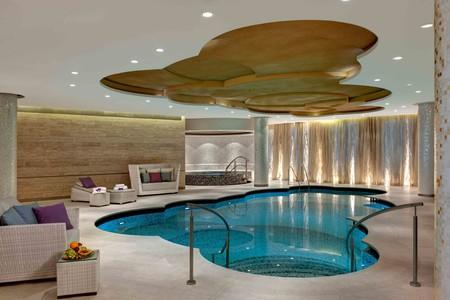 Berwa Guerlain Spa Pool