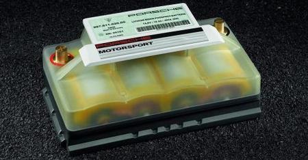 Batería Porsche de ión-litio, lo último para ahorrar peso por 2.092 euros