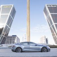 A partir del 22 de diciembre podrás viajar en UberONE a bordo de un Tesla Model S…si vives en Madrid