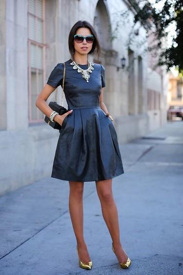 Lo confieso, siempre he querido tener un vestido de cuero negro y nunca me he atrevido