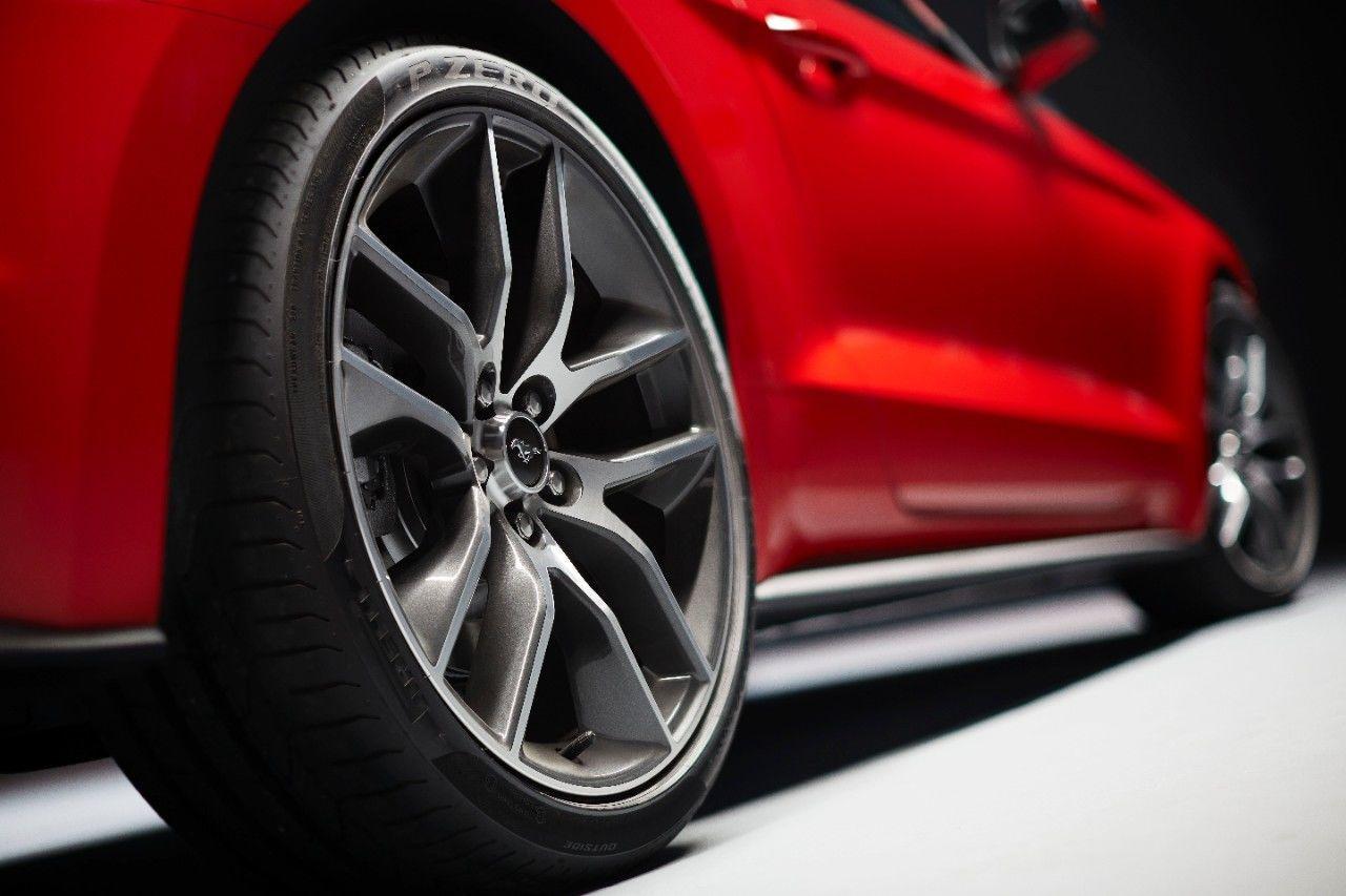 Foto de Ford Mustang 2014 (37/49)