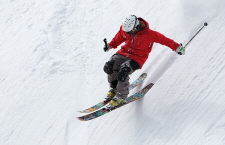 Hasta 40% de descuento en Amazon en equipamiento deportivo de invierno con marcas como Bollé, Burton, Salomon o Quiksilver