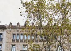 Massimo Dutti inaugura tienda en Paseo de Gracia de Barcelona con Leandra Medine y Olivia Palermo