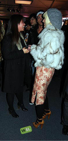 Foto de Streetstyle en los desfiles de la Semana de la Moda de Nueva York: una semana de imágenes (61/82)