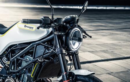 La versión eléctrica de la Husqvarna Vitpilen tendrá prestaciones de ciclomotor o de 125 cc y no llegará hasta 2022