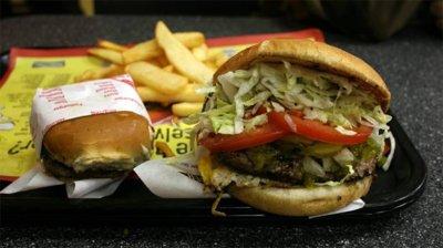 Comer alimentos grasos nos hace consumir más cantidad de alimento