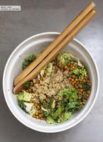Ensalada vegana de garbanzos tostados y col rizada kale. Receta