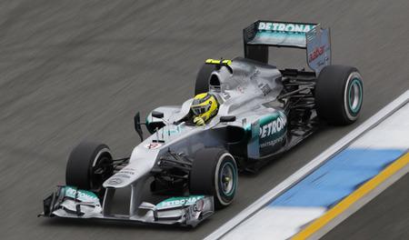 Nico Rosberg sustituye la caja de cambios y será sancionado con cinco posiciones
