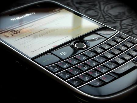Blackberry reduce la hemorragia de pérdidas pero necesita hacer crecer sus ingresos