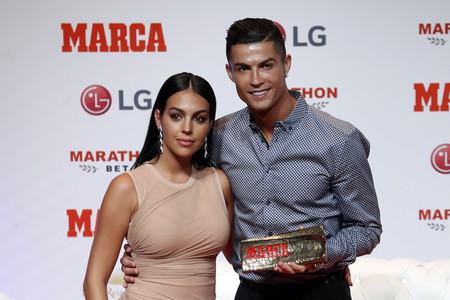 Georgina Rodriguez más Kim Kardashian que nunca en su regreso a Madrid para acompañar a Cristiano Ronaldo a recoger un premio