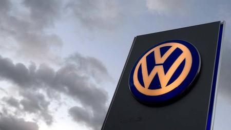 """Volkswagen suspende las polémicas """"bombas antigranizo"""" en México, ahora usarán redes para proteger sus coches nuevos"""