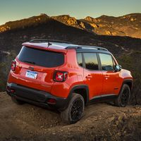 Jeep mejora el equipamiento del Renegade para 2018 y altera ligeramente su interior
