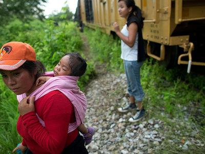 Qué sienten y sufren los niños separados a la fuerza de sus padres por decisión de Trump
