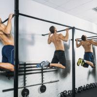 Distintas formas de asistir en las dominadas para conseguir subir