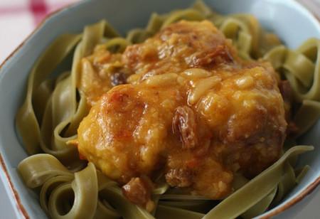 Albóndigas de bacalao con pasas y piñones: receta típica de Semana Santa que te gustará todo el año