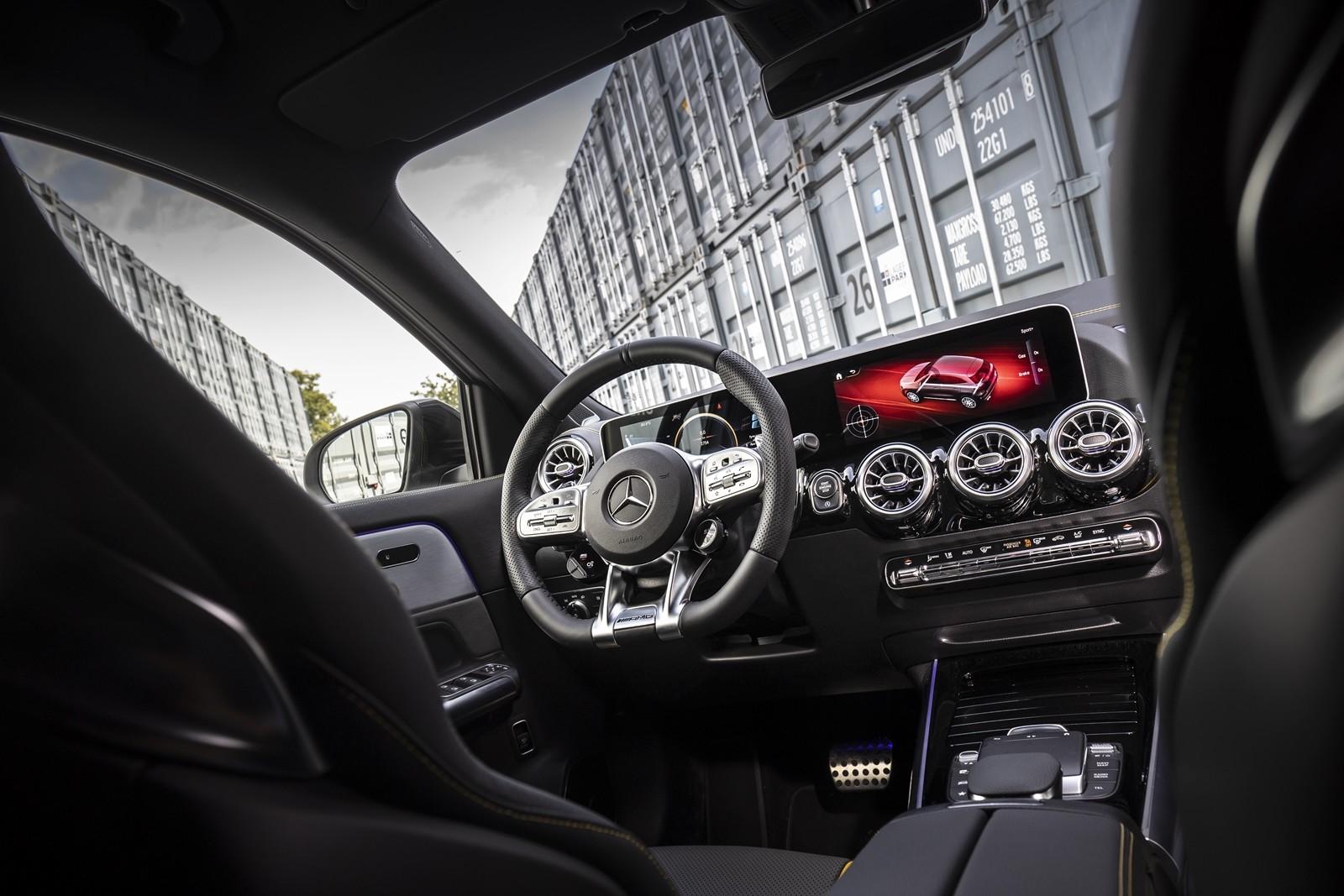 Foto de Mercedes-AMG GLA 45 S 2020 (12/28)