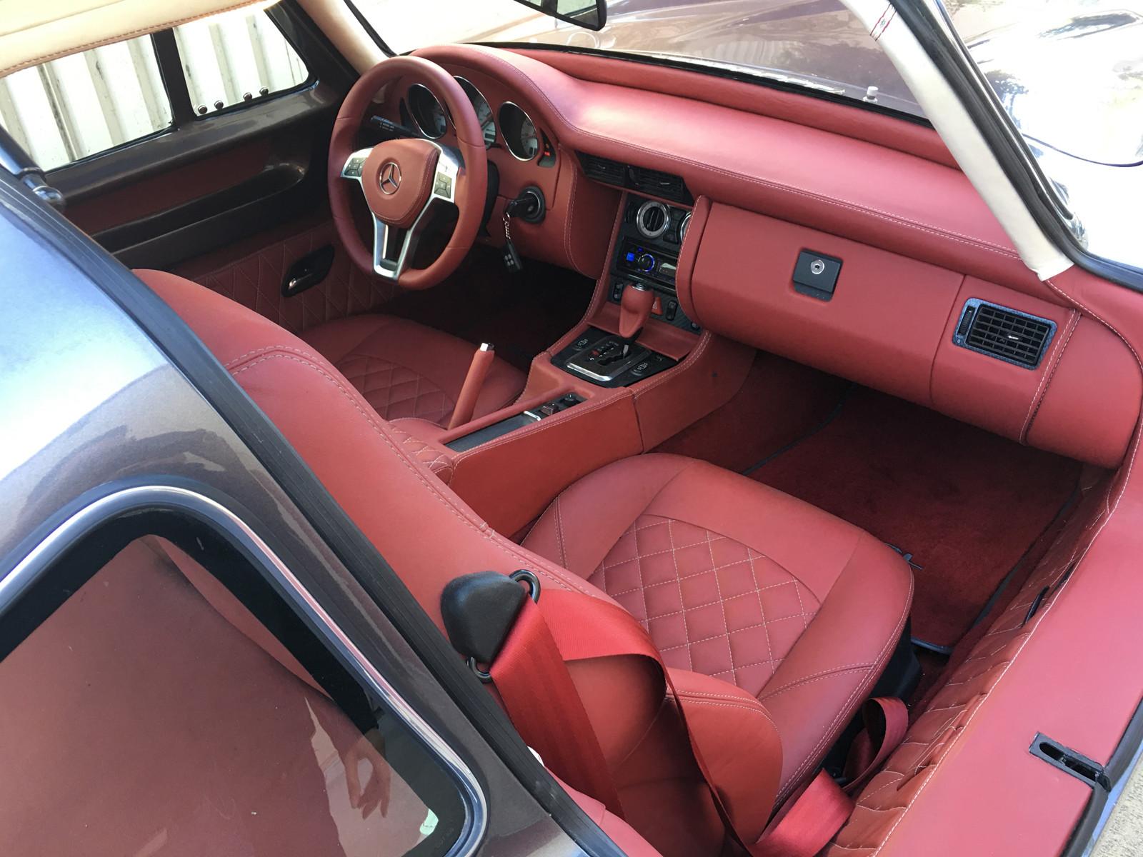 Foto de Réplica Mercedes-Benz 300 SL Gullwing base SLK AMG (3/10)