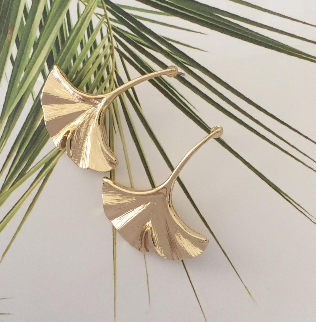 Elegantes pendientes colgantes de hoja de Gingko Color oro para mujer regalo de Acción de Gracias joyería única de alta calidad