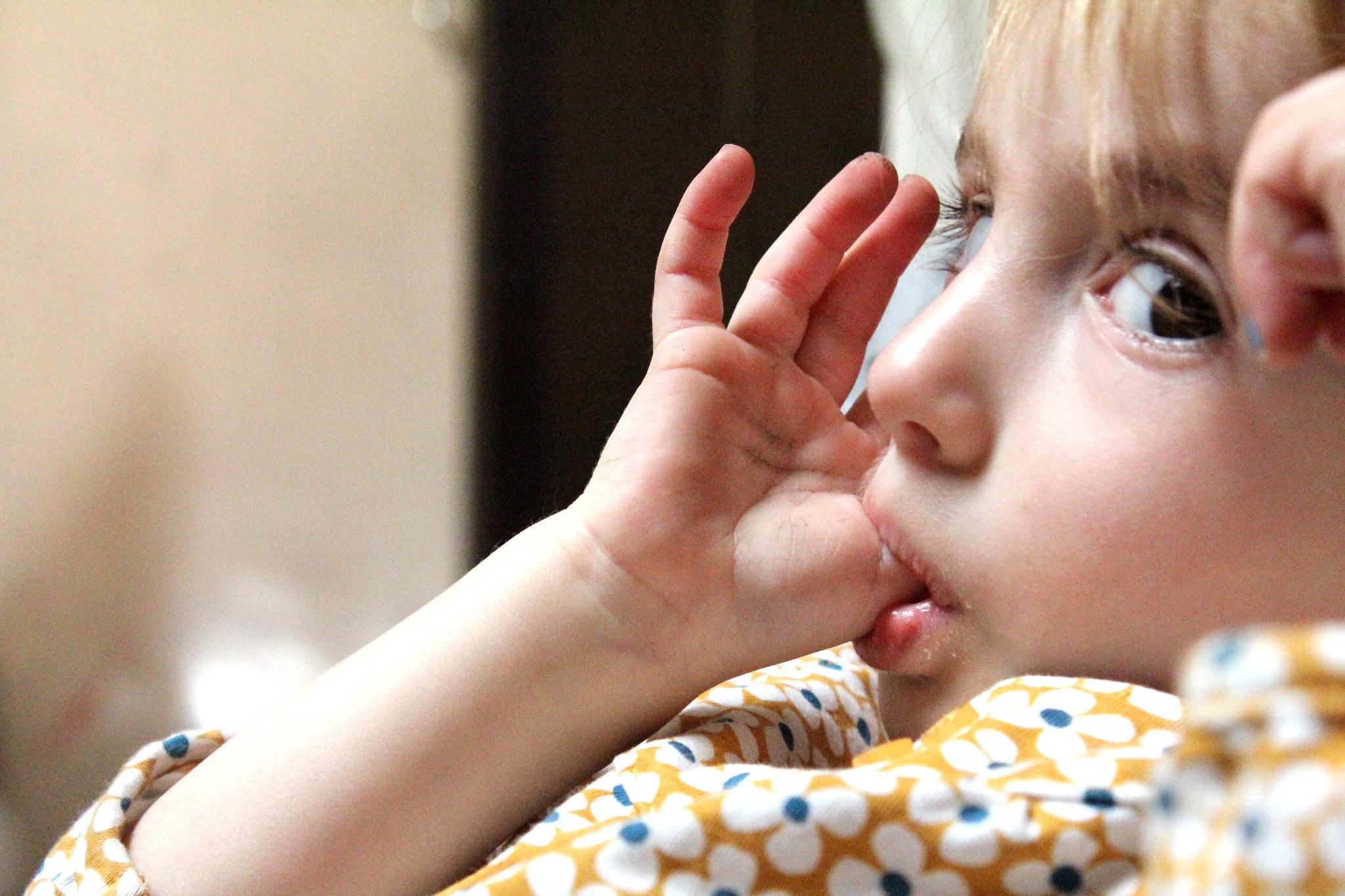 los efectos de chuparse el dedo y del chupete ms tiempo del y cmo