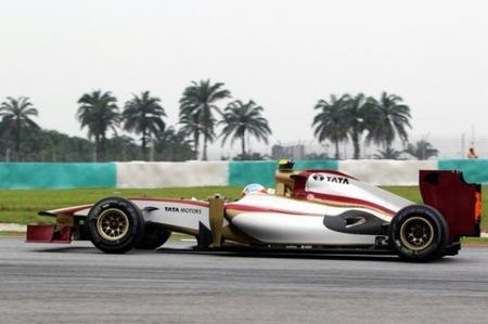 Los dos HRT se clasifican para el Gran Premio de Malasia y transmiten buenas vibraciones